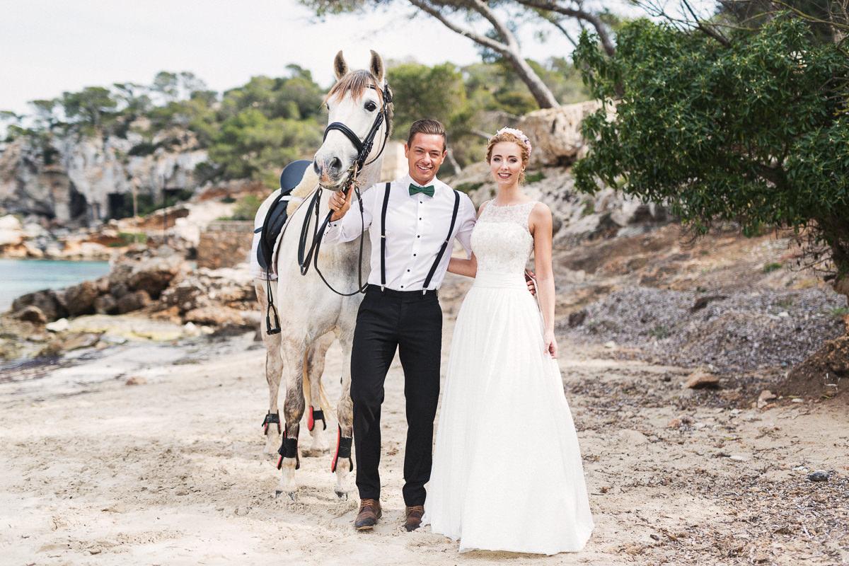 etzer-shooting-after-wedding-mallorca-hochzeit-couple-ocean-1