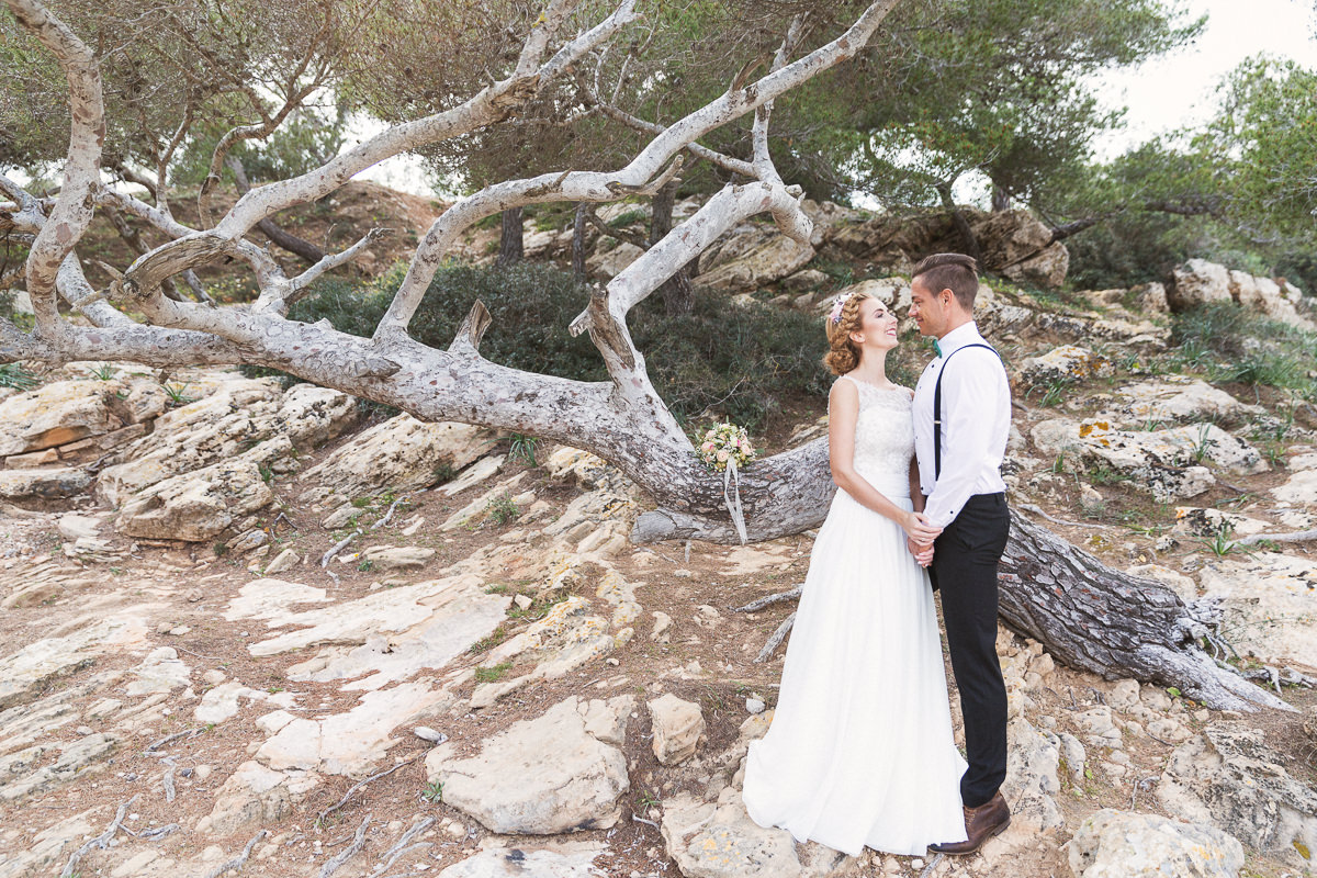 etzer-shooting-after-wedding-mallorca-hochzeit-couple-ocean-10