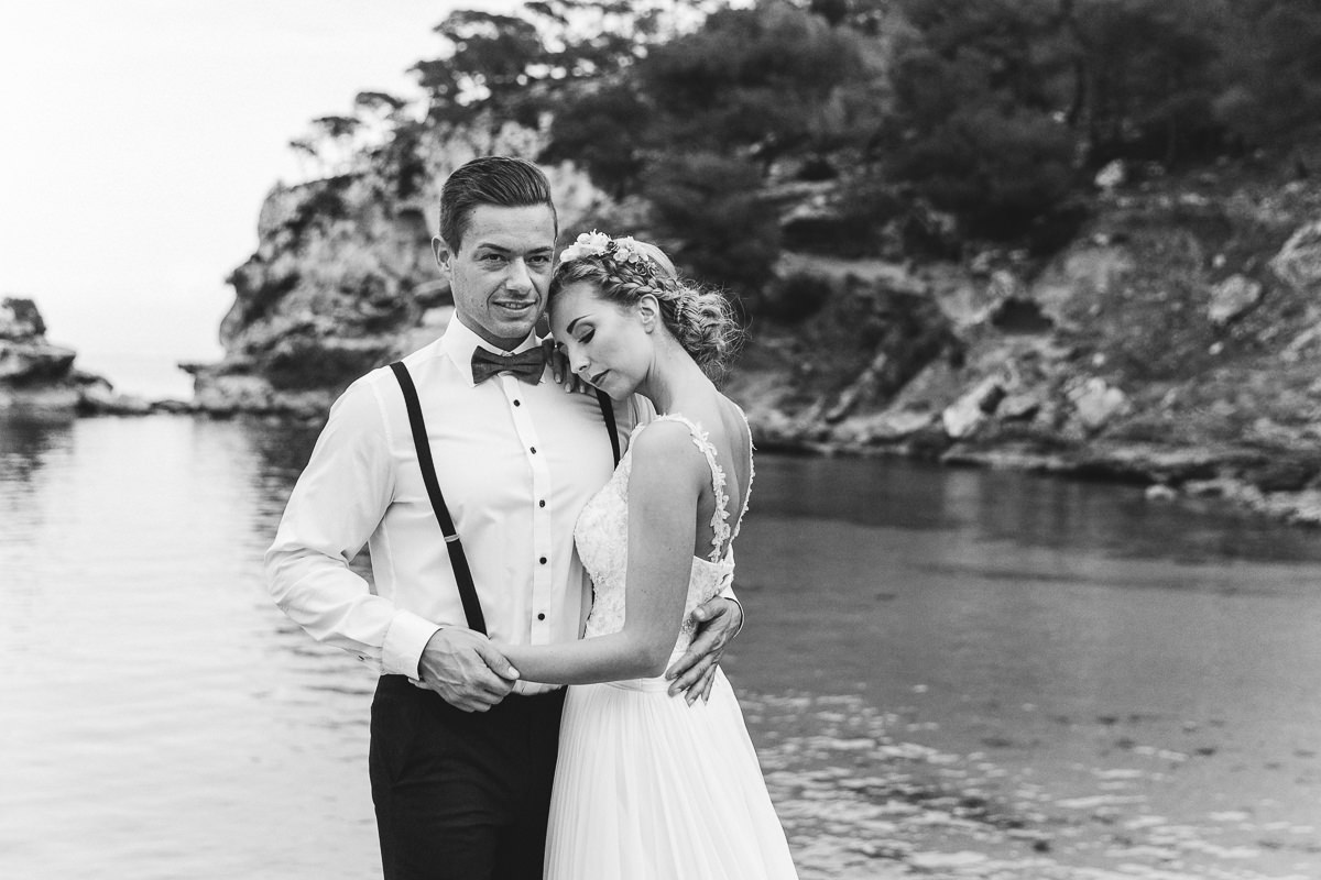 etzer-shooting-after-wedding-mallorca-hochzeit-couple-ocean-19