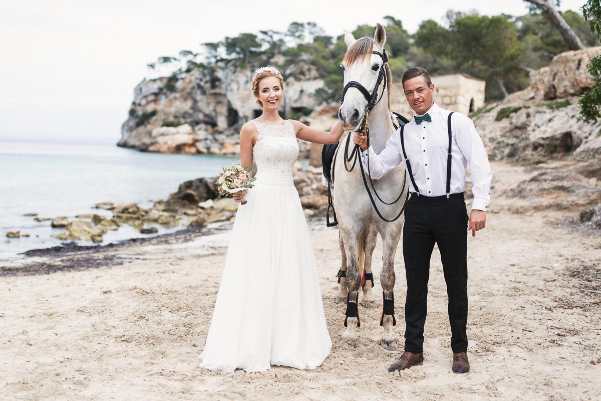 etzer-shooting-after-wedding-mallorca-hochzeit-couple-ocean-2