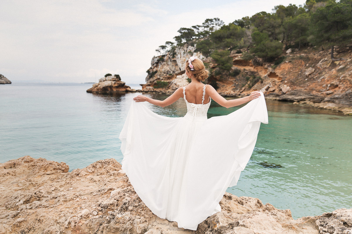 etzer-shooting-after-wedding-mallorca-hochzeit-couple-ocean-23
