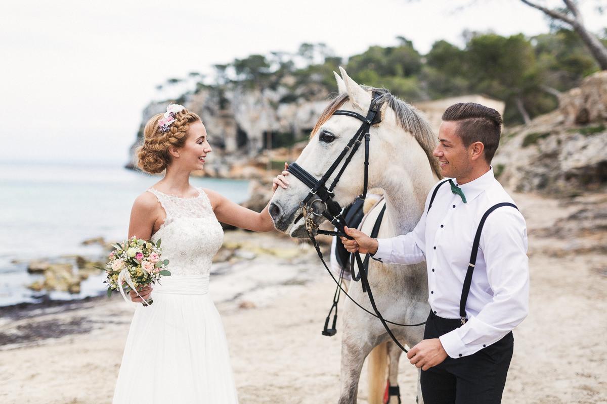 etzer-shooting-after-wedding-mallorca-hochzeit-couple-ocean-3