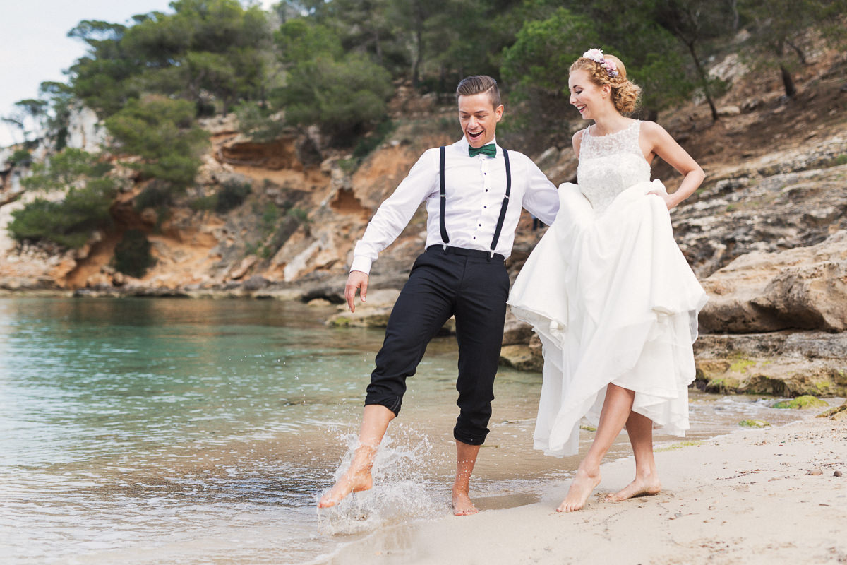 etzer-shooting-after-wedding-mallorca-hochzeit-couple-ocean-32