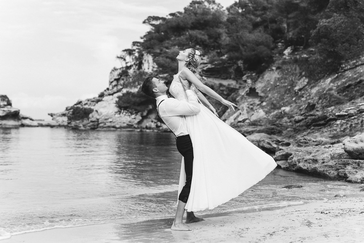 etzer-shooting-after-wedding-mallorca-hochzeit-couple-ocean-34