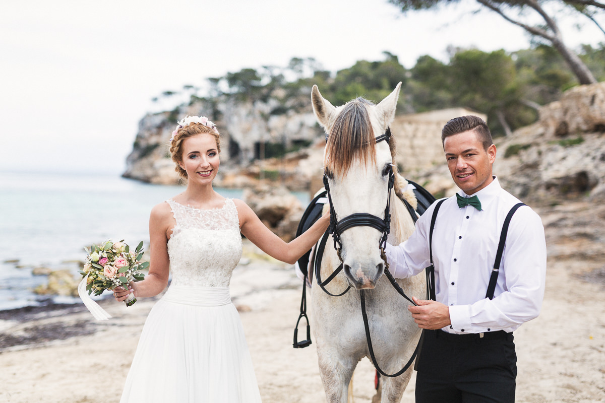etzer-shooting-after-wedding-mallorca-hochzeit-couple-ocean-4
