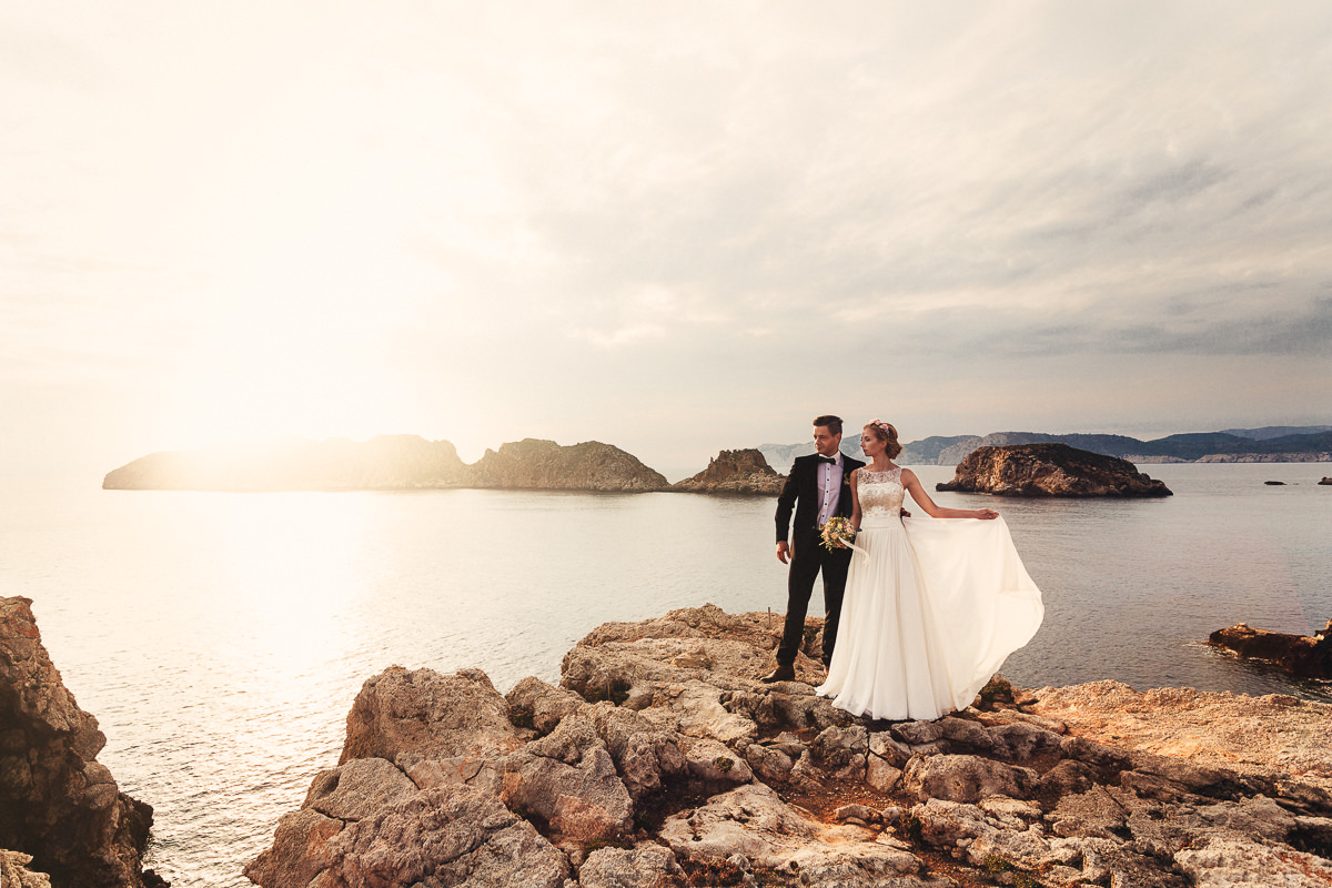 etzer-shooting-after-wedding-mallorca-hochzeit-couple-ocean-46