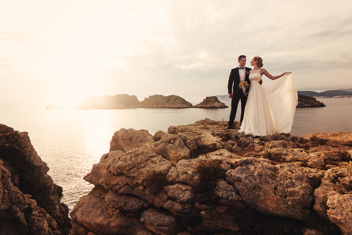 etzer-shooting-after-wedding-mallorca-hochzeit-couple-ocean-47