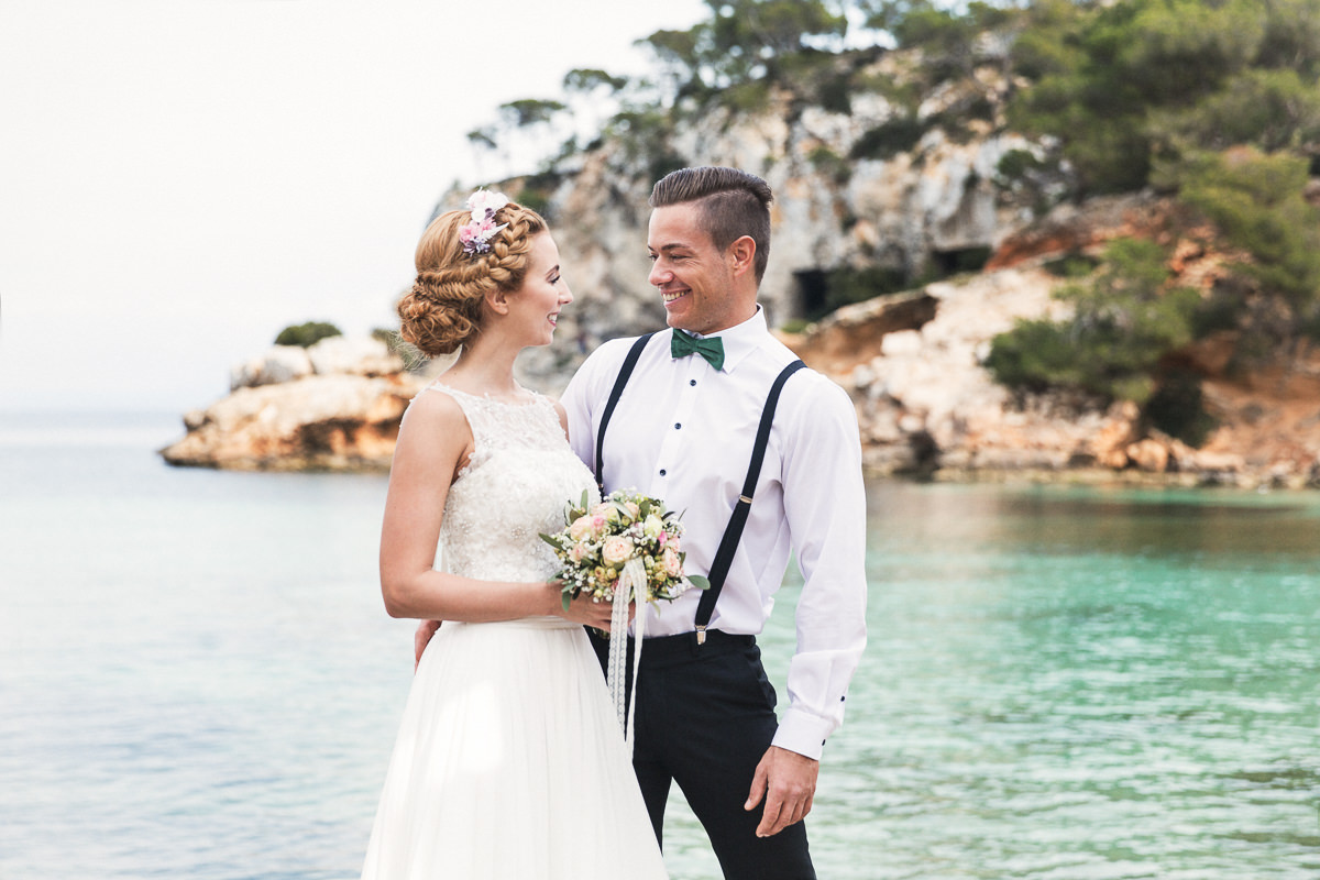 etzer-shooting-after-wedding-mallorca-hochzeit-couple-ocean-5