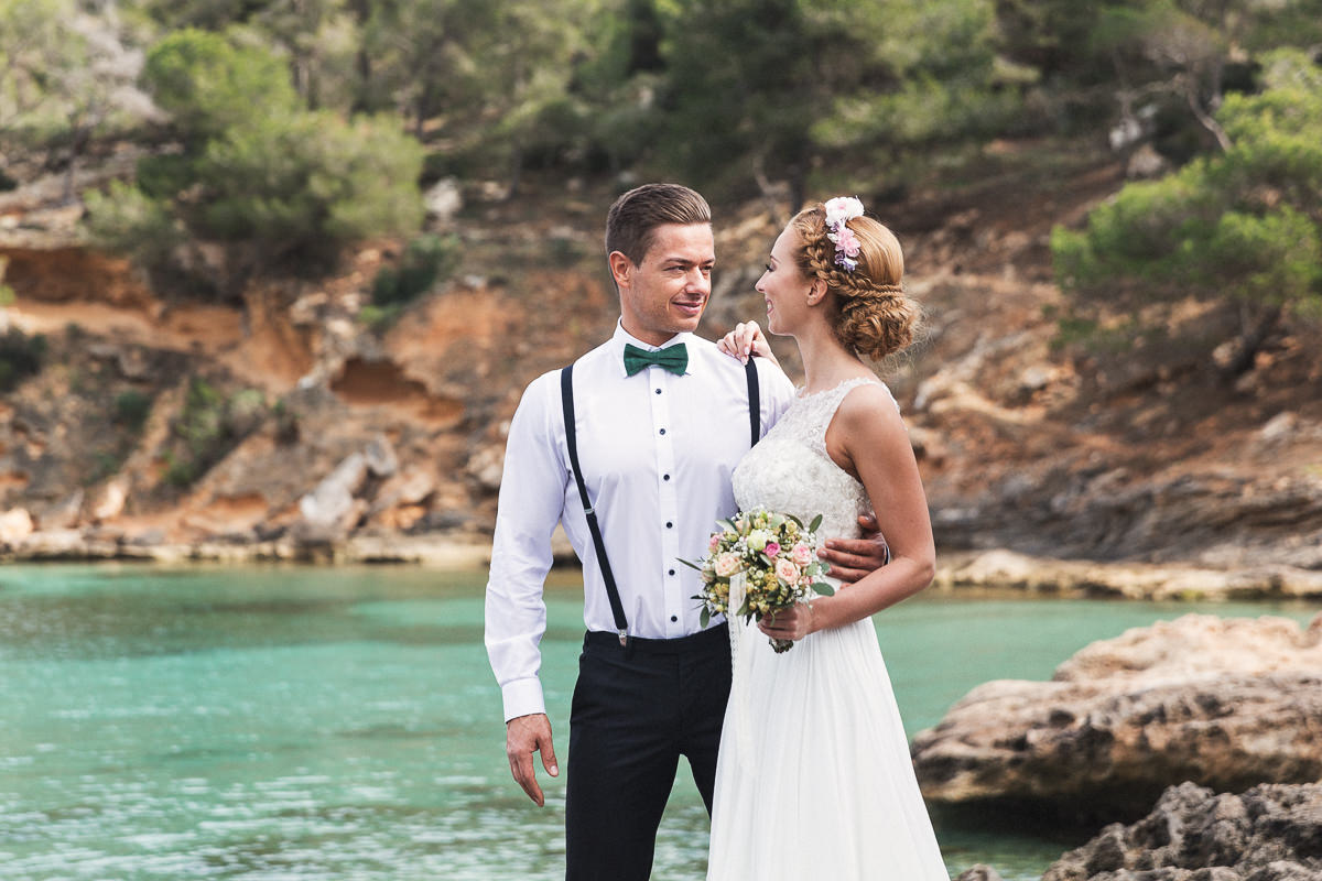 etzer-shooting-after-wedding-mallorca-hochzeit-couple-ocean-6
