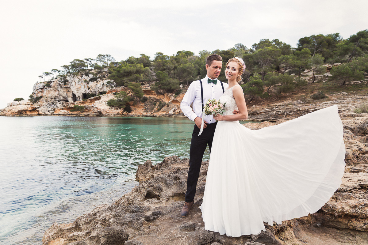 etzer-shooting-after-wedding-mallorca-hochzeit-couple-ocean-7
